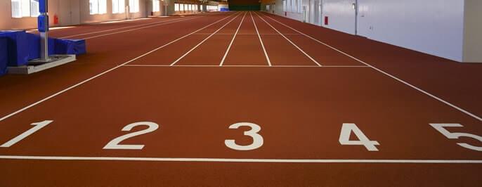 室内競技場 直走路 -国内最長 150m×5レーン-